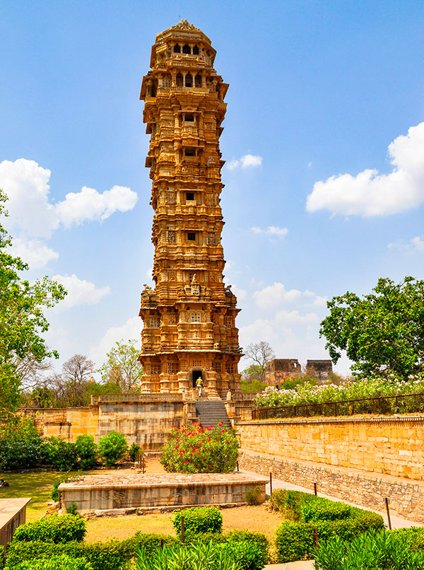 temple jain à chittogarh au rajasthan en inde . www.thisytravels.fr