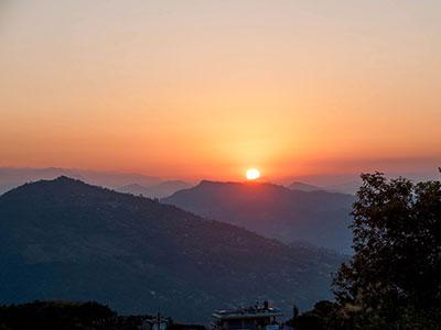 voyager au nepal a pokhara photographier l'himalaya et les lacs de montagne avec les couchers de soleil www.thisytravels.fr
