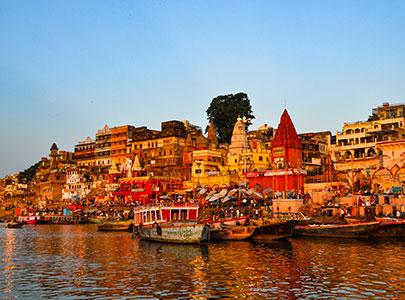 voyager a varanasi ou benares sur les ghats et le gange dans l'uttar-pradesh avec l'agence de voyage thisy-travels s'inpregner de l'hinddouisme et des temples arti www.thisytravels.fr