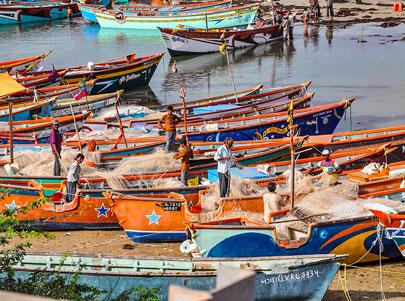 voyagez dans le gujarat a l'ouest de l'inde a ahmenabad avec les pecheurs avec l'agence de voyage thisy-travels www.thisytravels.fr