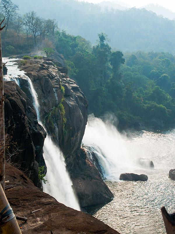 voyagez en inde du sud à athirapilly dans le kerala avec l'agence de voyage thisy-travels www.thisytravels.fr