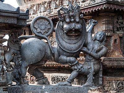voyagez en inde du sud à halebid dans le kerala avec l'agence de voyage thisy-travels www.thisytravels.fr