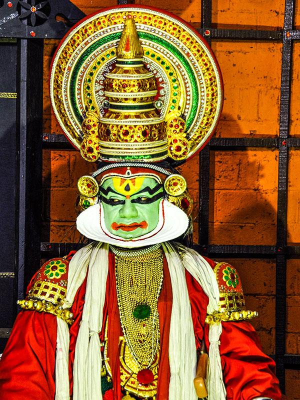 l'inde du sud avec les danses du kathakali dans le kerala avec l'agence thisy-travels www.thisytravels.fr