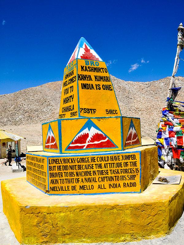 voyager au ladakh en inde du nord sur les contreforts de l'himalaya et les plus hautes routes carrossables du monde www.thisytravels.fr
