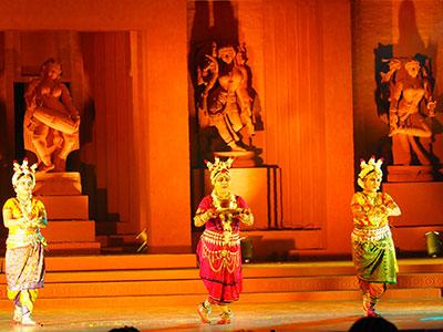 voyagez en orissa ou odisha participer au festival de musique et danses classique de konark avec l'agence de voyage thisy-travels www.thisytravels.fr