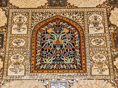 voyager dans les campagnes du rajasthan en inde avec l'agence de voyage thisy-travels et visiter le fort d'ambert à jaipur www.thisytravels.fr