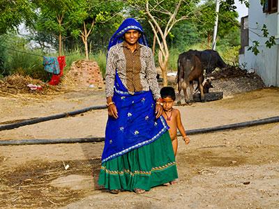 voyager dans les campagnes du rajasthan en inde avec l'agence de voyage thisy-travels et decouvrir les portraits indiens www.thisytravels.fr