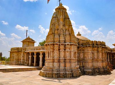 temple jain a chittogarh dans le rajasthan en inde pour les voyages de thisy-travels www.thisytravels.fr