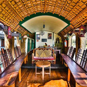 croisière sur un houseboat avec le trip'kado, le produit de l'agence de voyage thisy-travels sur www.thisytravels.fr
