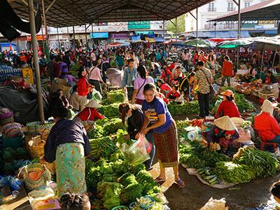 voyagez au laos découvrir de magnifiques architectures et paysages et coucher de soleil avec l'agence de voyage thisy-travels sur le site www.thisytravels.fr