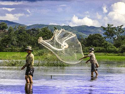 voyagez vietnam à la baie d'halong découvrir de magnifiques architectures et paysages avec l'agence de voyage thisy-travels sur le site www.thisytravels.fr