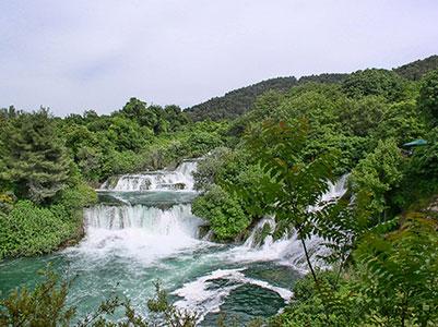 voyagez en europe, en croatie découvrir de magnifiques architectures comme la ville de split et paysages comme la cascade de krka avec l'agence de voyage thisy-travels sur le site www.thisytravels.fr