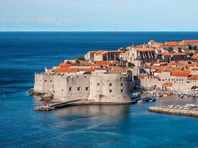 voyagez en europe, en croatie à dubrovnik découvrir de magnifiques architectures et paysages avec l'agence de voyage thisy-travels sur le site www.voyageindien.fr