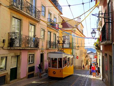voyagez en europe, au portugal à lisbonne découvrir de magnifiques architectures comme à porto et paysages avec l'agence de voyage thisy-travels sur le site www.voyageindien.fr