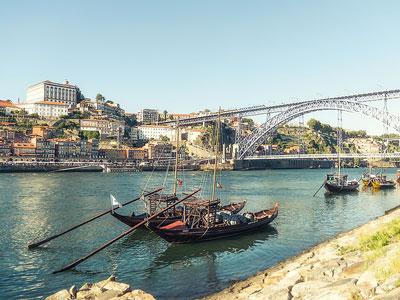 voyagez en europe, au portugal découvrir de magnifiques architectures comme à porto et paysages avec l'agence de voyage thisy-travels sur le site www.voyageindien.fr