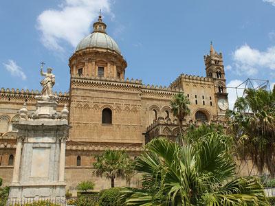 voyagez en europe, en italie découvrir de magnifiques architectures comme la cathédrale de palerme et paysages avec l'agence de voyage thisy-travels sur le site www.thisytravels.fr
