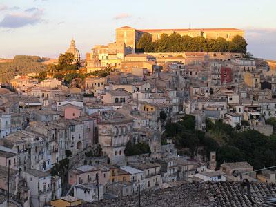 voyagez en europe, en italie découvrir de magnifiques architectures comme à ragusa et paysages avec l'agence de voyage thisy-travels sur le site www.thisytravels.fr