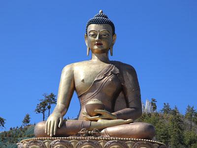 Voyage photo au Népal pour photographier les annapurnas, participer à la fête de Holi, voir le bouddha sacré avec l'agence de voyage Thisy-Travels www.thisytravels.fr