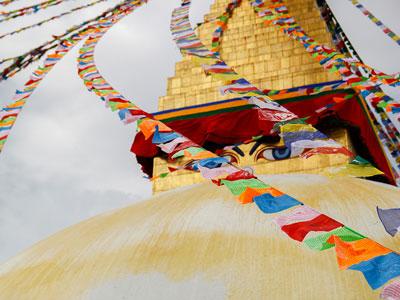 Voyage photo au Népal pour photographier les annapurnas, les stupas, participer à la fête de Holi avec l'agence de voyage Thisy-Travels www.thisytravels.fr