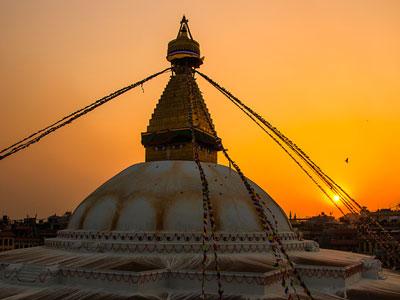 Voyage photo au Népal pour photographier les annapurnas, profiter des couchers de soleil et des stupas participer à la fête de Holi avec l'agence de voyage Thisy-Travels www.thisytravels.fr